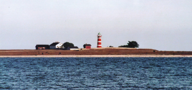 Leuchtturm auf Gotland (© Karl Brodowsky 2013 https://commons.wikimedia.org/wiki/File:Lighthouse-Gotland-2013-full.jpg)